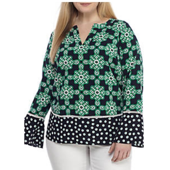 f24e2dcdd81fd Crown   Ivy Plus Size Dot Print Bell Sleeve Top